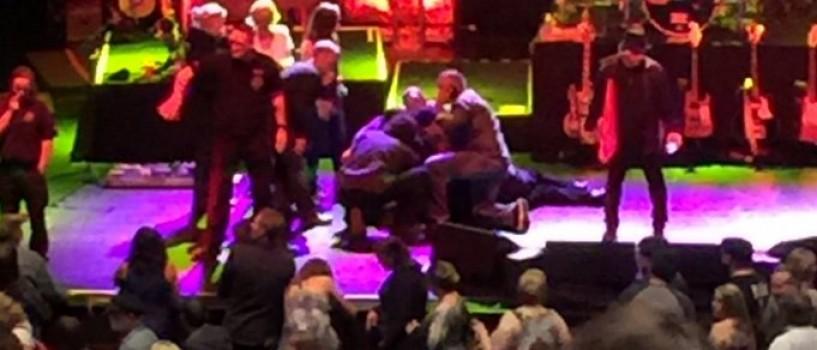 Meat Loaf s-a prabusit pe scena in timpulul unui concert sustinut aseara in Canada!