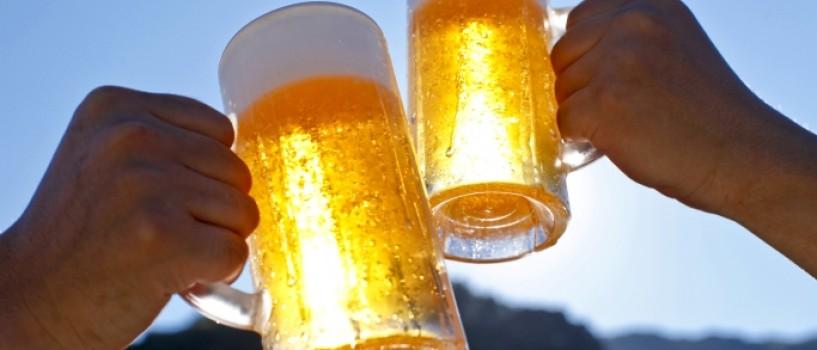 VIDEO: Bere cu final neasteptat pentru un cuplu devenit intre timp celebru!