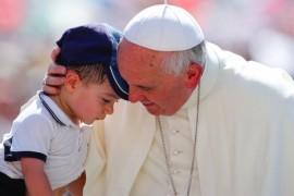 Preotilor catolici din Montreal li s-a interzis sa ramana singuri in prezenta copiilor!