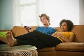 Privitul in exces la TV poate ucide, arata un studiu!