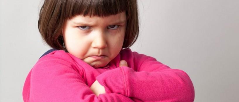 Invata sa interpretezi comportamentele care nu iti plac la copilul tau!
