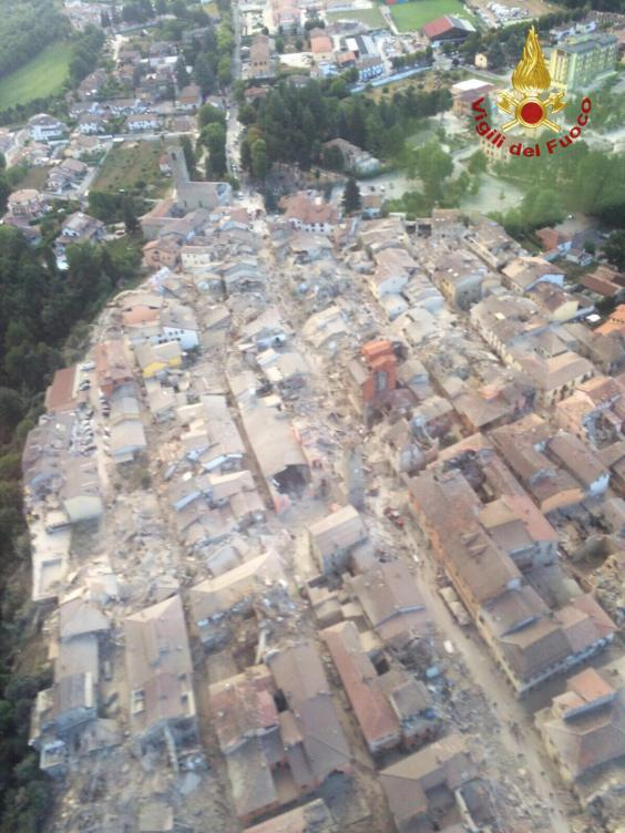 Localitatea italiana Amatrice dupa cutremurul din 24 august. Sursa foto: The Independent