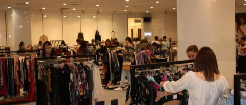 Amatoarele de chilipiruri si pasionatele de fashion se intalnesc weekendul acesta la Chic Bazar!