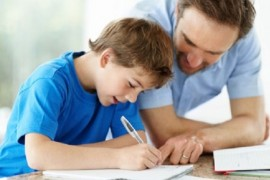 Parintii perfectionisti risca sa isi transforme copiii in adulti anxiosi si depresivi!