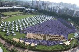 Bonus pentru angajati in India: bijuterii scumpe, 1260 de masini si 400 apartamente!
