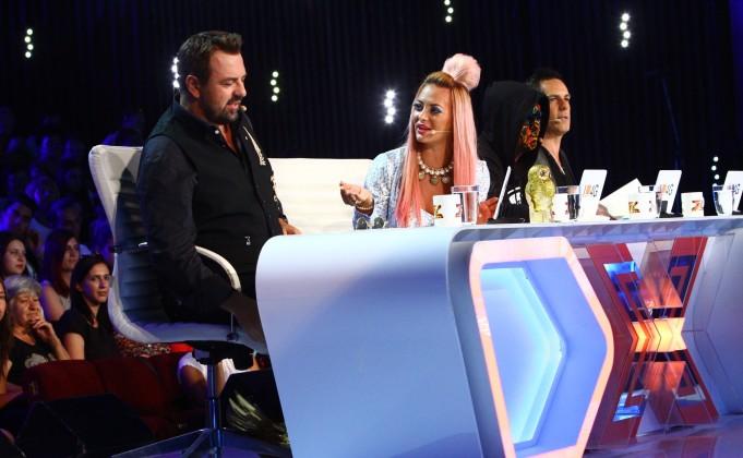 Delia are talente nebanuite. Iata ce a facut diva pentru colegii ei de la X Factor!