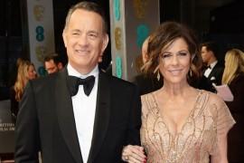 Gata cu aberatiile! Doua tabloide americane ii cer scuze lui Tom Hanks pentru stirile false despre divort!
