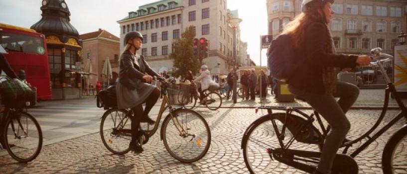 In Copenhaga numarul de biciclete de pe strazi a depasit numarul de masini!