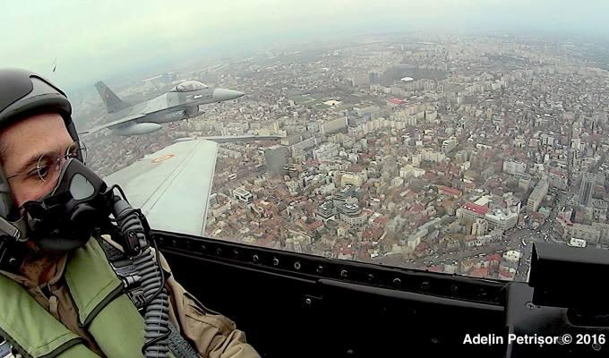 Avioanele F16, spectacol in premiera la parada militara, live la TVR