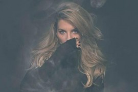 Ana Baniciu a lansat piesa Aroma de iarna!
