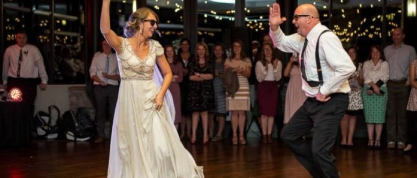 VIDEO: Asa tata… asa fiica… Dansul lor de nunta a devenit viral pe internet!