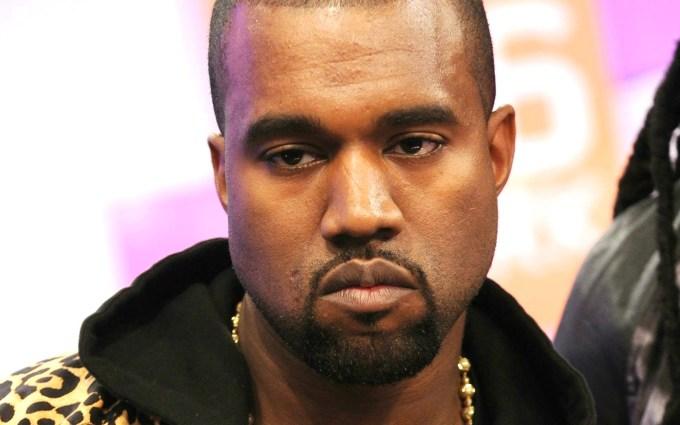 Kanye West e din ce in ce mai rau!