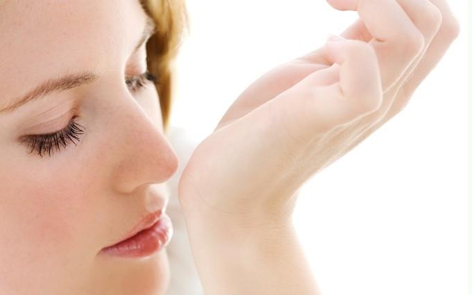 Stii sa te parfumezi corect? Iata ce ne sfatuiesc expertii!