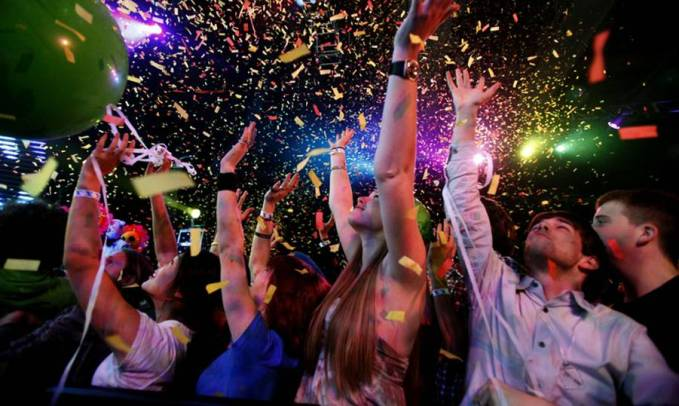 Super-petrecere de Revelion in Piata George Enescu din Bucuresti!
