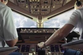 Pilotii se confrunta cu depresii si ganduri suicidare insa le e frica sa se trateze ca sa nu-si piarda jobul!