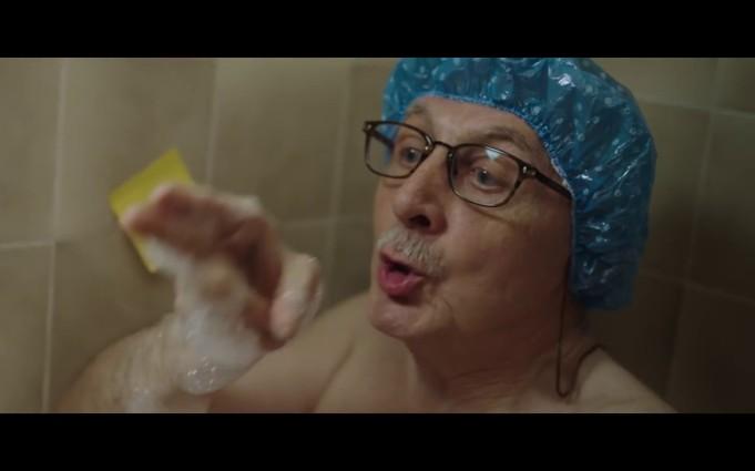 VIDEO: A innebunit internetul de dragul acestei reclame de Craciun! Vezi de ce!