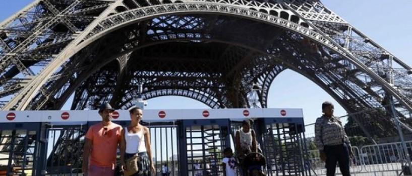 Turnul Eiffel va fi flancat de ziduri de sticla anti-glont pentru a fi protejat de atacurile teroriste!