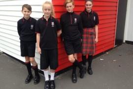 O scoala primara din Noua Zeelanda a introdus uniformele unisex!