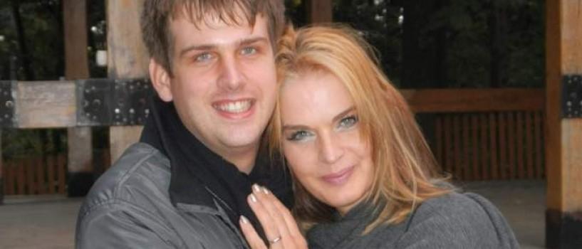 "Manuela Harabor: ""Ne-am cunoscut joi si duminica m-a cerut de nevasta"""