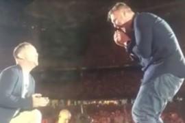 Un tanar gay si-a cerut iubitul in casatorie in timpul unui concert sustinut de Adele in Australia!