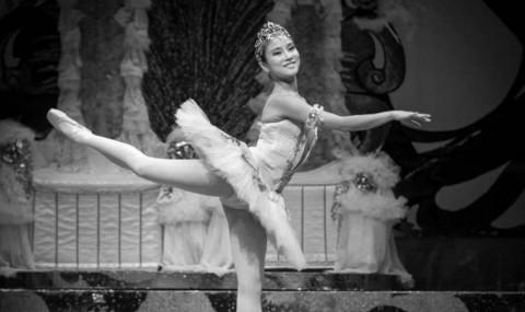 Dansatorii de balet si dans contemporan se intalnesc la Revolve Dance Festival!