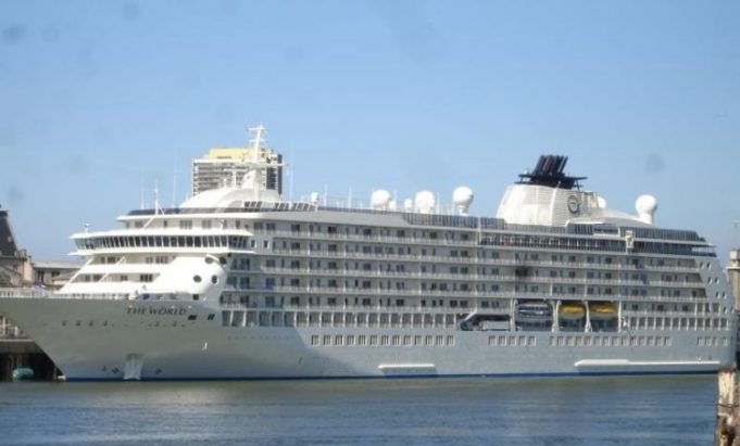 The-World-cruise-ship2-750x563