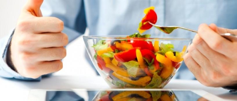 Exista o legatura intre dieta si cancer. Ce sa mananci si ce sa eviti ca sa nu te imbolnavesti?