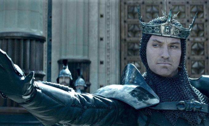 King Arthur: Legenda Sabiei - o poveste cu un aer mai modern si mai curajos in regia lui Guy Ritchie!