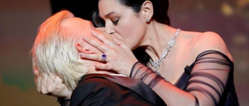 Un Cannes foarte fierbinte: sani dezgoliti, saruturi pasionale, mici gafe si dansuri lascive…