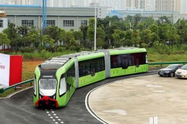 China a dezvaluit primul autobuz inteligent care circula pe sine virtuale!