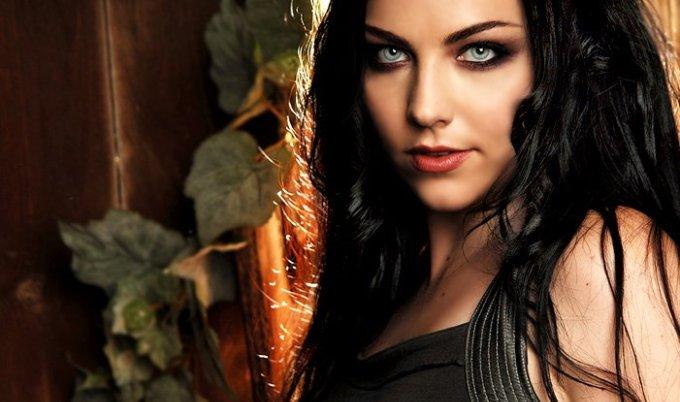 Amy Lee (Evanescence) are un mesaj pentru fanii din Romania!