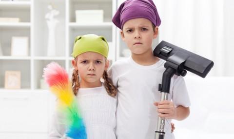 6 motive pentru a-i implica pe copii in treburile casnice!