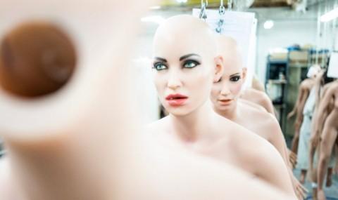 Omenirea face un mare pas inapoi cu robotii sexuali care permit simularea violului!