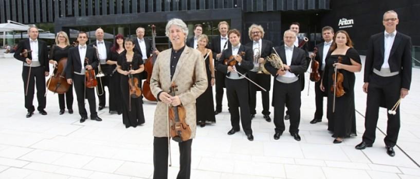 Johann Strauss Ensemble & Russell McGregor sustin un turneu de exceptie in Romania!