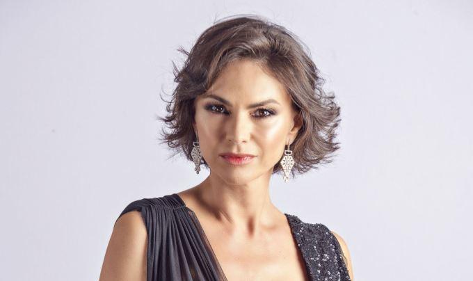 Masca cu miere, aliatul in materie de frumusete al Ramonei Badescu!