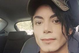 El nu este Michael Jackson… desi… seamana izbitor!