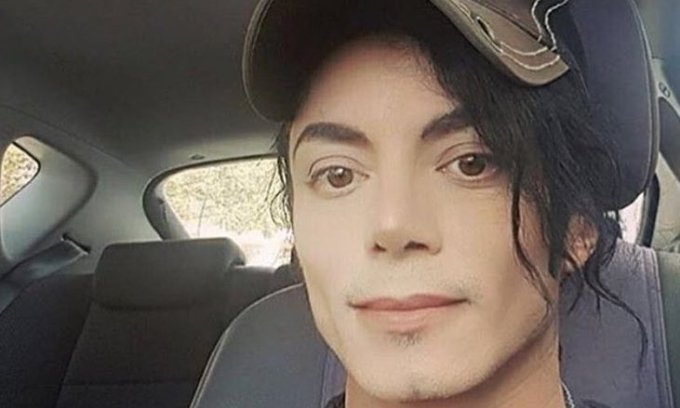 El nu este Michael Jackson... desi... seamana izbitor!