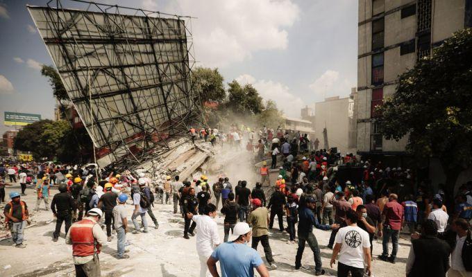 VIDEO: Imagini infioratoare din timpul cutremurului din Mexico City!