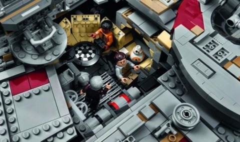 Cel mai mare set LEGO vandut vreodata are 7 541 de piese si costa…