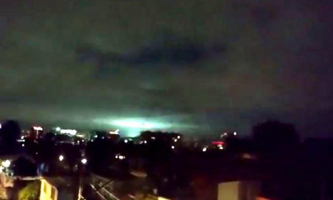 VIDEO: Lumini misterioase pe cerul Mexicului dupa cutremur!