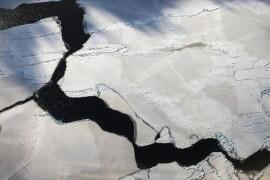 NASA: Ceva misterios si fierbinte topeste gheata din Antarctica!