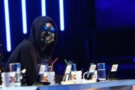 Esti curios sa vezi cum aratau juratii X Factor in urma cu 24 de ani?