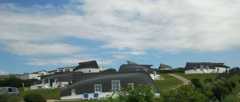 Satul francez in care casele sunt barci asezate de-a-ndoaselea!