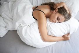 Surprinzatoarele beneficii ale lenevitului in pat!