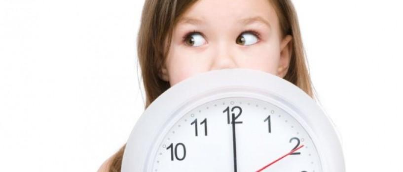 """Tot mai """"inteligenti"""": britanicii vor elimina ceasurile analogice din scoli pentru ca elevii nu stiu sa le citeasca!"""